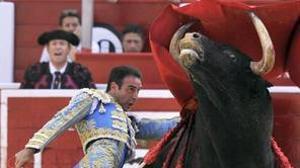 Enrique Ponce gana el premio «Samueles» a la mejor faena de la feria de Albacete