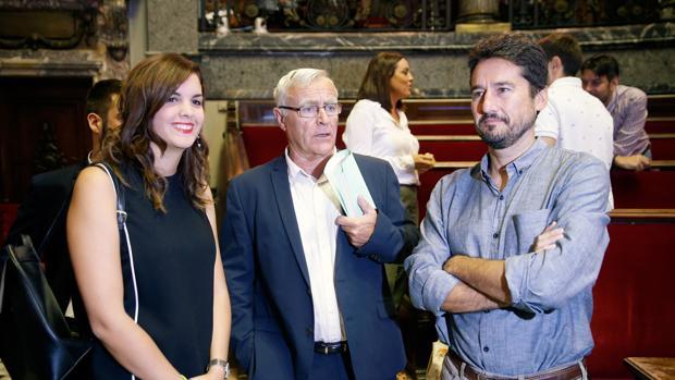 Los portavoces de PSPV y València en Comú, junto al alcalde Joan Ribó