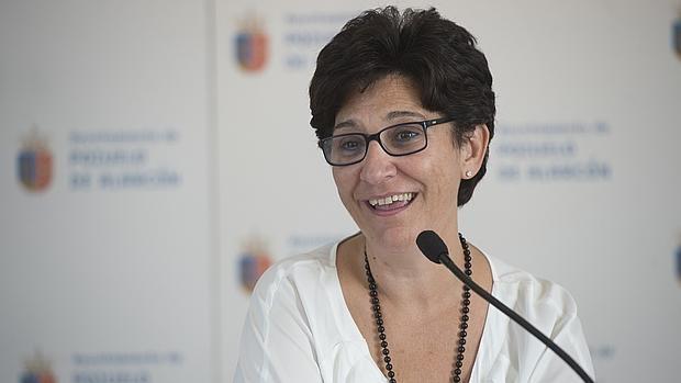 La alcaldesa de Pozuelo apoya la jubilación anticipada de la Policía Local