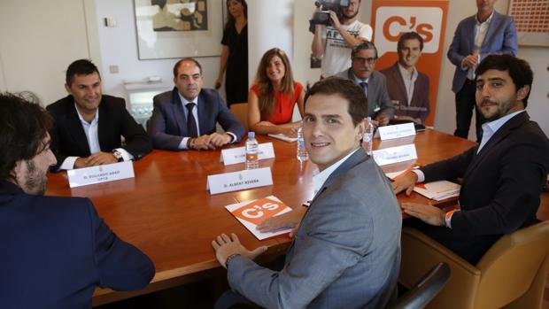 Albert Rivera junto a Sergio del Campo y Toni Roldán