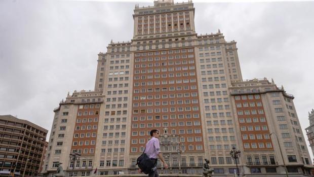 El rascacielos del Edifico España, en la plaza homónima