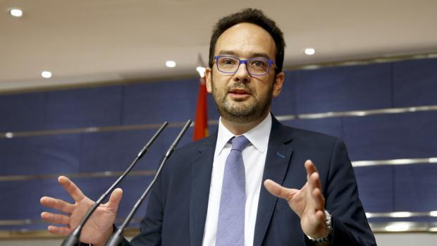 El PSOE escuchará al PP para resolver los problemas urgentes que bloquean al país pero no para el Gobierno