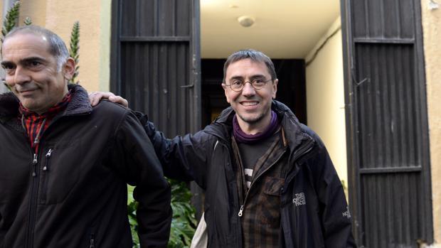 Ariel Jerez, director del máster, junto a Juan Carlos Monedero