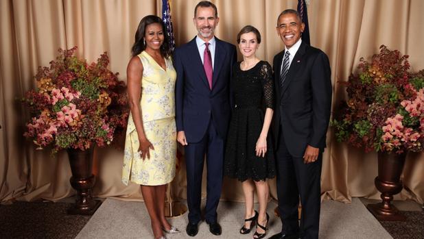 Imagen de los Reyes junto a los Obama en la recepción en el hotel Palace de Nueva York