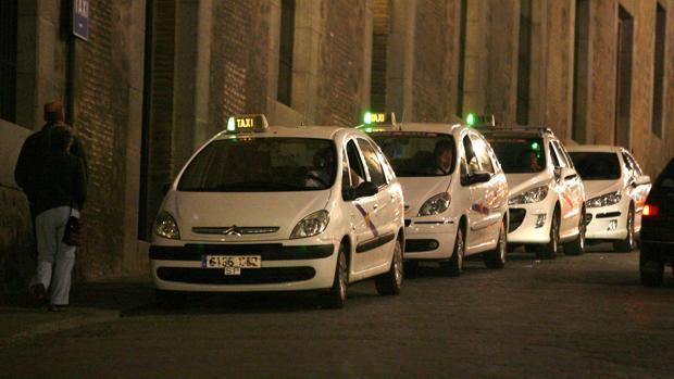 Parada de taxis del Alcázar de Toledo