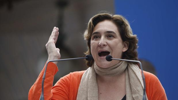 Ada Colau, como nueva líder de la izquierda, haciendo campaña en Galicia para En Marea