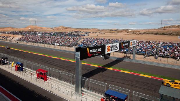 Línea de meta del circuito de Motorland, durante la celebración de una competición