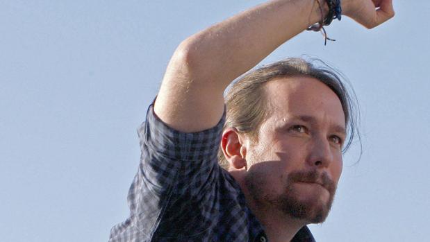 Pablo Iglesias durante un mitin en la campaña gallega