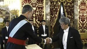 El Rey recibe las credenciales de seis nuevos embajadores en España