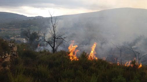 Imagen del incendio enn Adtzeneta