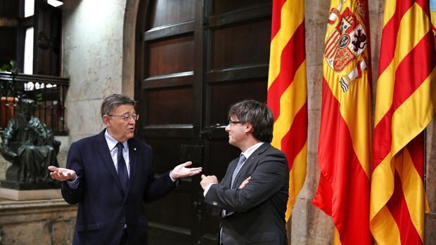 Imagen de la reunión de Puig y Puigdemont del pasado lunes en Valencia