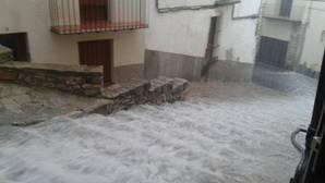 El temporal deja 70 litros en el interior de Castellón y granizo en Morella