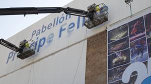 El alcalde Santisteve, condenado por borrar el nombre del Pabellón Príncipe Felipe de Zaragoza