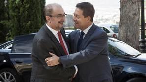 Page y Lambán avisan a Sánchez de que sería irresponsable adelantar el Congreso Federal