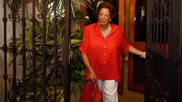 Rita Barberá sale de su casa en Valencia, esta semana