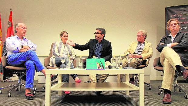 Luis Alberto de Cuenca, Marta Rivera de la Cruz, Jesús García Calero, César Antonio Molina y Javier Gomá.