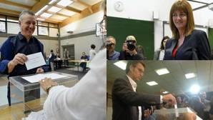 Los candidatos votan en las elecciones vascas y gallegas