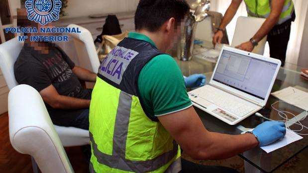 La Policía ha necesitado casi un año para analizar la ingente cantidad de archivos que guardaba el detenido