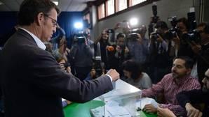 Juan Fernández-Miranda: «Si Feijóo logra la mayoría absoluta será el único barón del PP en hacerlo. ¿Hay un mejor argumento para liderar el partido en el futuro?»