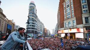 Así fue el concierto de Dani Martín que colapsó la Gran Vía