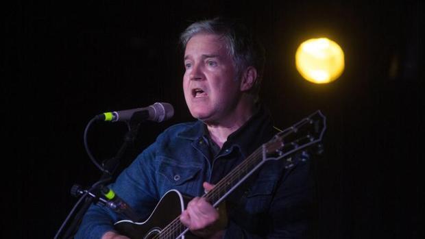 Lloyd Cole durante su actuación en Valencia