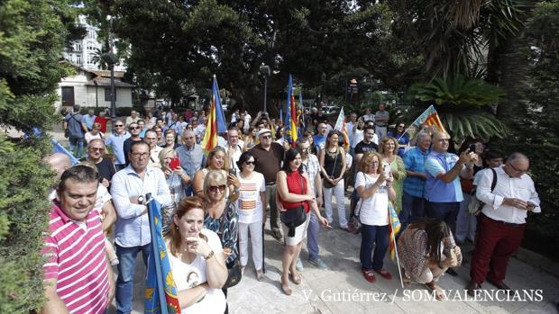 Un momento de la concentración en el homenaje a Juame I en el Panterre de Valencia