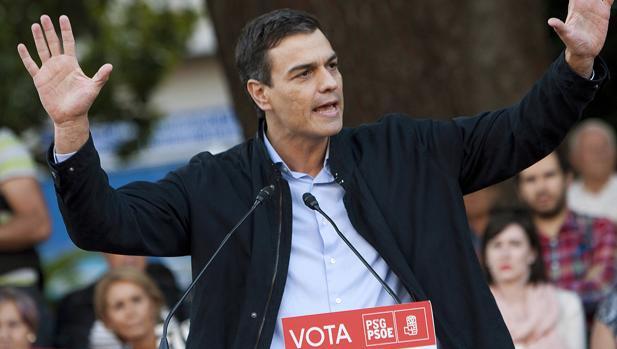 El secretario general del PSOE, Pedro Sánchez, queda en una situación complicada tras las elecciones gallegas y vascas