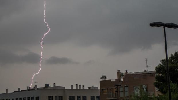 Imagen de una tormenta en la ciudad de Valencia