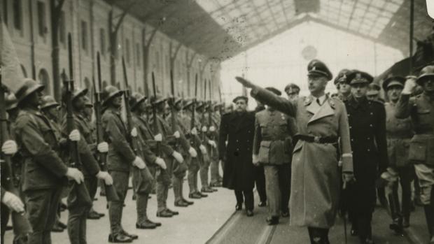 Llegada del jefe de las SS, Heinrich Himmler, a la Estación del Norte en Madrid