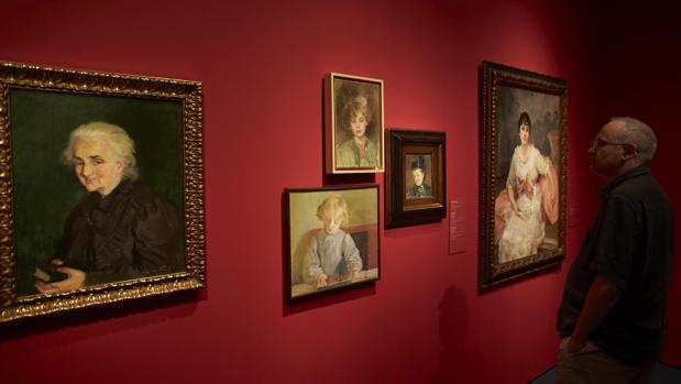 Vista de varios retratos de Vidal en el MNAC