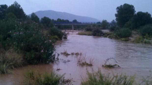 Rambla Carbonera inundada este fin de semana por las lluvias, en Culla (Castellón)