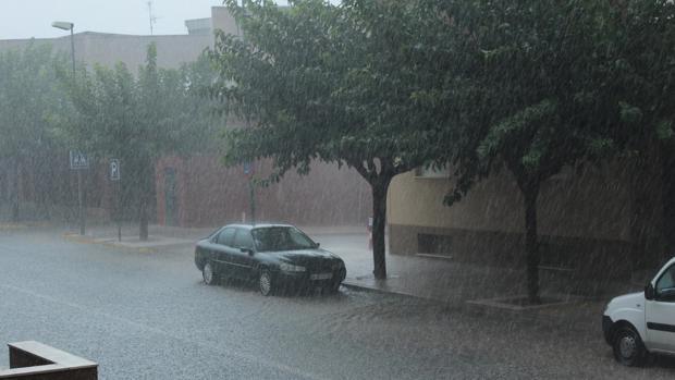 Imagen de la tormenta registrada este lunes en Cocentaina