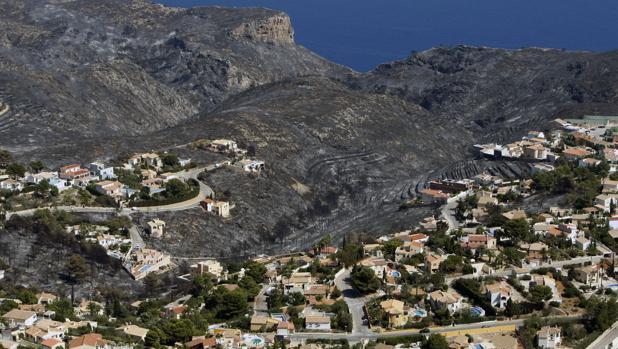Imagen de parte de la zona afectada en el incendio de Jávea