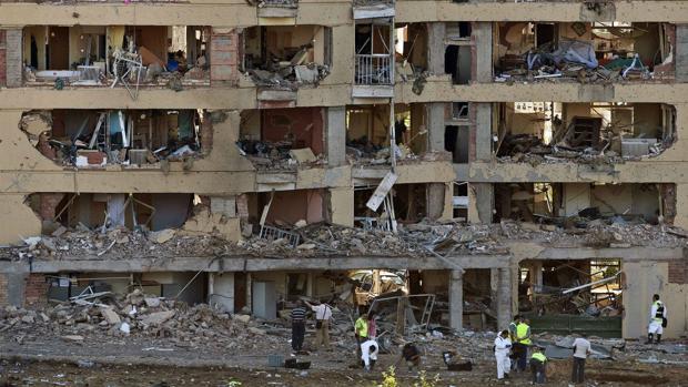 Estado en el que quedó la casa cuartel de Burgos tras el atentado de julio de 2009