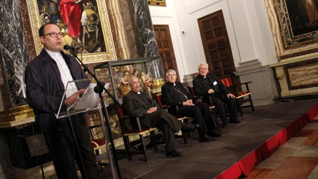 El secretario de la Comisión «Caritas in Veritate» del CCEE, Luis Okulik, en la catedral de Toledo