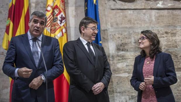 Utor, junto a Puig y Mónica Oltra tras la firma de un acuerdo entre Baleària y el Consell