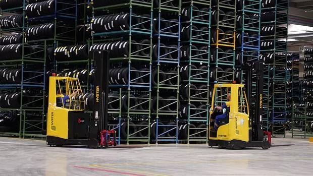 El nuevo almacén de Illescas manejará un volumen de negocio de 600.000 neumáticos al mes