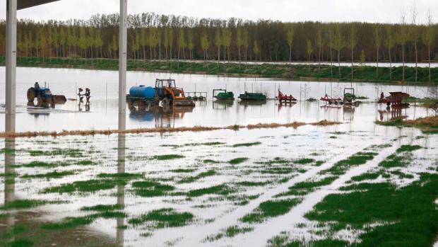 La riada de 2015 anegó 40.000 hectáreas en pueblos ribereños de Aragón, Navarra, La Rioja y Álava