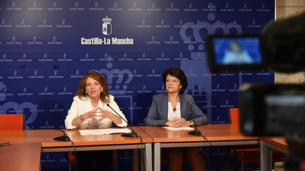 La consejera de Bienestar Social, Aurelia Sánchez, ayer en la rueda de prensa