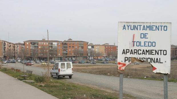 El aparcamiento (en la imagen en 2005) lleva años de forma provisional en Santa Teresa