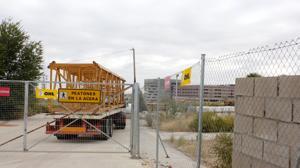 Las grúas llegan al hospital de Toledo para reanudar las obras