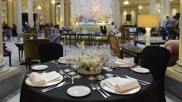 Mesa preparada en el Hotel Palace
