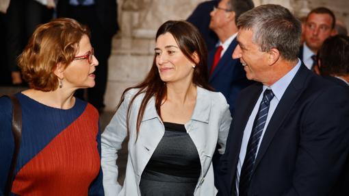 Imagen de Montón junto a los consellers Cebrián y Climent