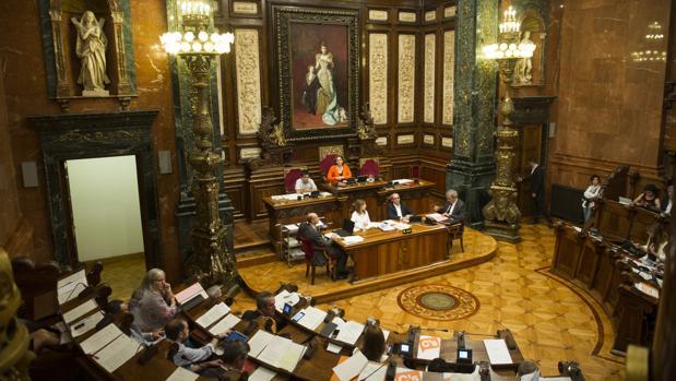 Pleno municipal en el Ayuntamiento de Barcelona