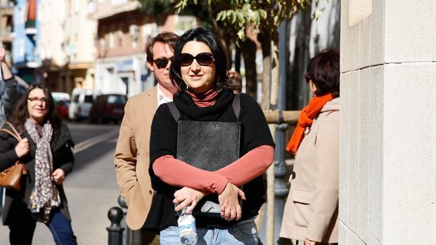 La diputada de EU Rosa Pérez, antes de declarar ante la Guardia Civil