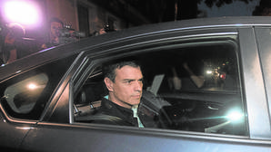 Pedro Sánchez, dispuesto a negociar con los críticos la fecha del congreso