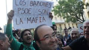 Los dirigentes del PSOE esperan que el Comité Federal saque del «atolladero» al partido