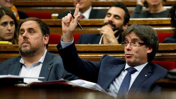 Puigdemont ignora al Estado y diseña ya el formato del referéndum