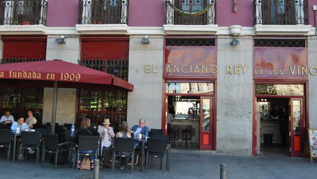 Desde 1909 esta taberna es todo un clásico para tomar buenos chatos en la capital