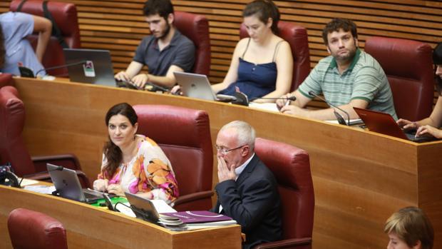 Image de archivo de los diputados de Podemos en las Cortes Valencianas